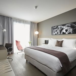 http://moderntimeshotel.ch/application/files/thumbnails/thumb_list_2x/5314/8767/1309/chambre_superieure.jpg
