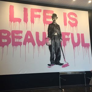 http://moderntimeshotel.ch/application/files/thumbnails/thumb_list_2x/6714/8974/8286/Life-is-beautiful.jpg