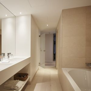 http://moderntimeshotel.ch/application/files/thumbnails/thumb_list_2x/7814/5855/4540/salle_de_bain_junior_suite.jpg